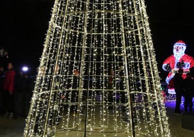Advent-svecano-otvoren-paljenjem-lampica